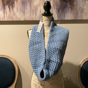 BCBGENERATION INFINITY SCARF LIGHT BLUE NWT